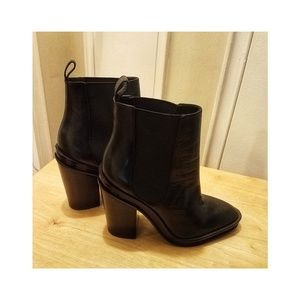 Brand new! Aldo ankle boots